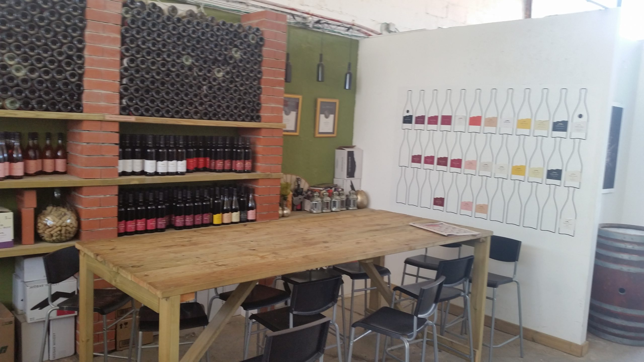 laid back atmosphere and good wines at Midbar Winery